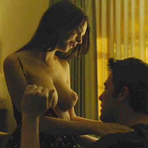 Gone girl emily ratajkowski nude