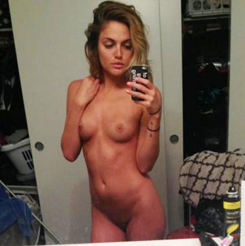 Selena gomez sucking dick
