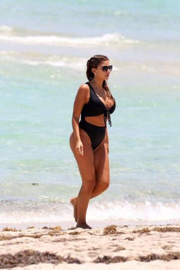 Larsa Pippen boobs in bikini