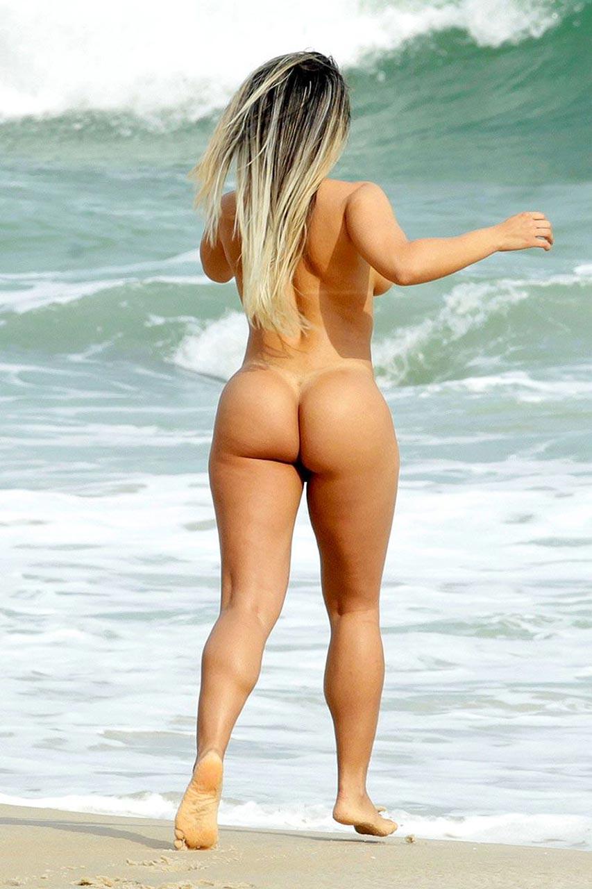 Brazilian Model Renata Frisson Nude On The Beach - Scandal -8657