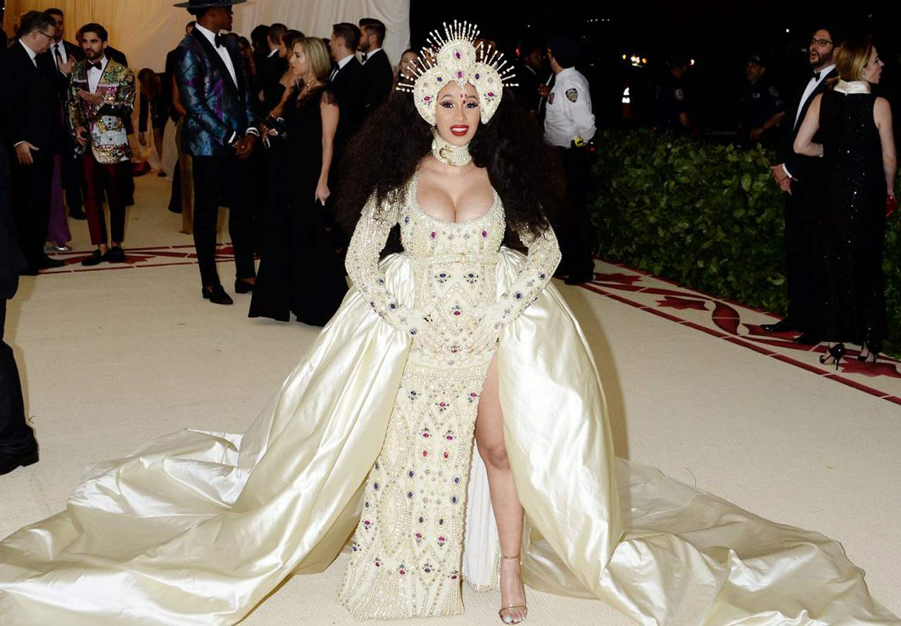 Cardi B Boobs Were Ready To Explode on MET Gala 2018 ...
