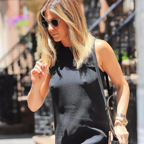 Jennifer Aniston nipple pokies