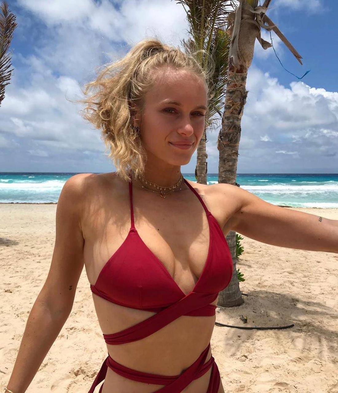 wife big breast nude