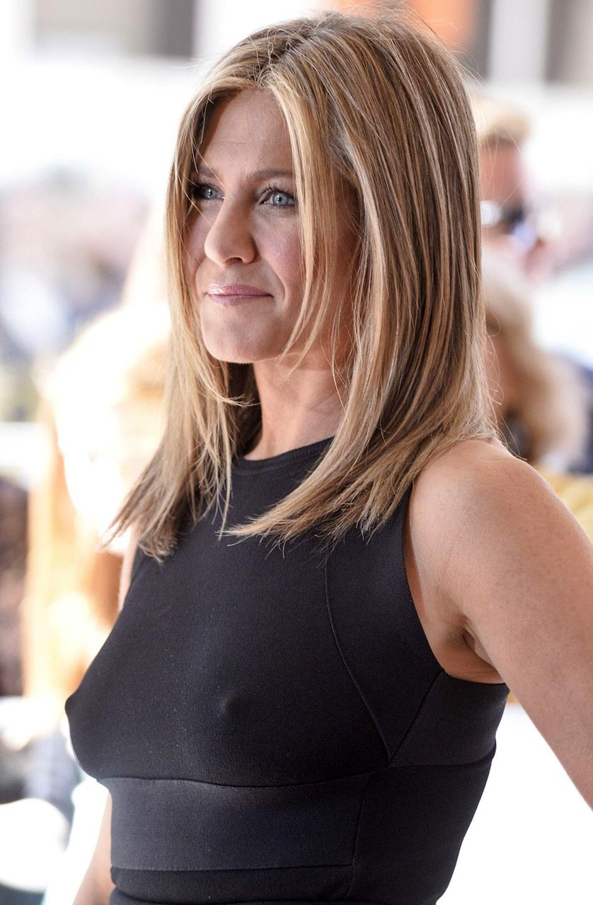 Free nude pictures of jennifer aniston