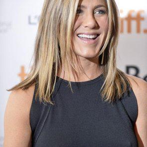 Jennifer Aniston Nude Pics, Porn and Sex Scenes [2021] 45