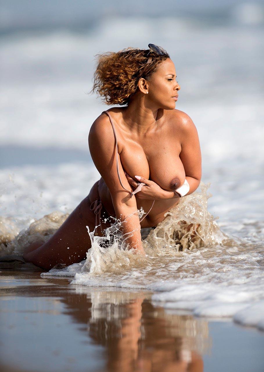 Big boobs bikini beach