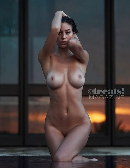 Alejandra Guilmant NUDE & Topless Photos Collection 81