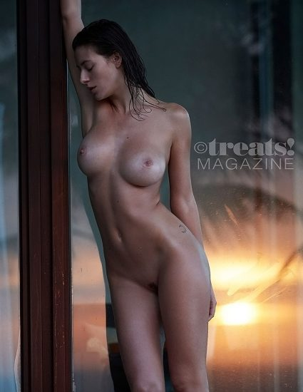 Alejandra Guilmant NUDE & Topless Photos Collection 78