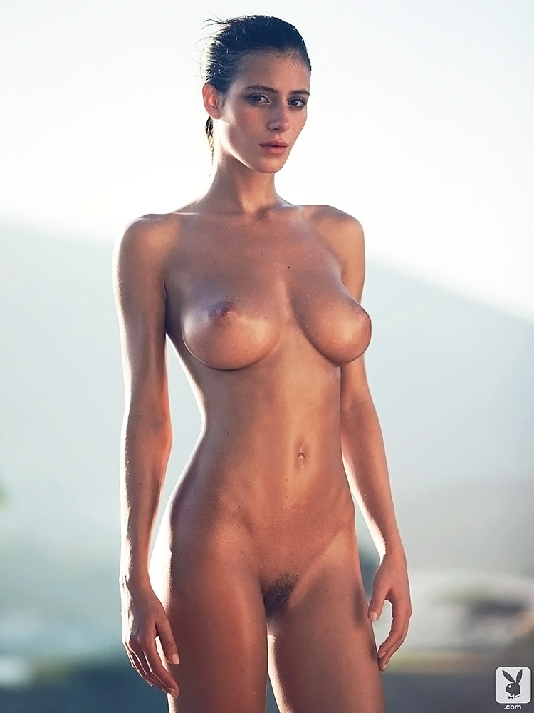 Alejandra Guilmant NUDE & Topless Photos Collection 91