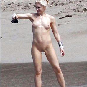 Nackt  Lyndie Greenwood What Happened