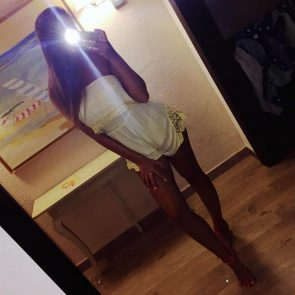 Zara McDermott nude leaked