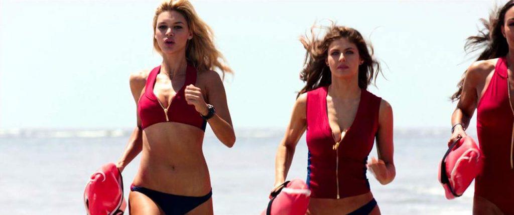 Alexandra Daddario NUDE Pics and Topless Sex Scenes 44