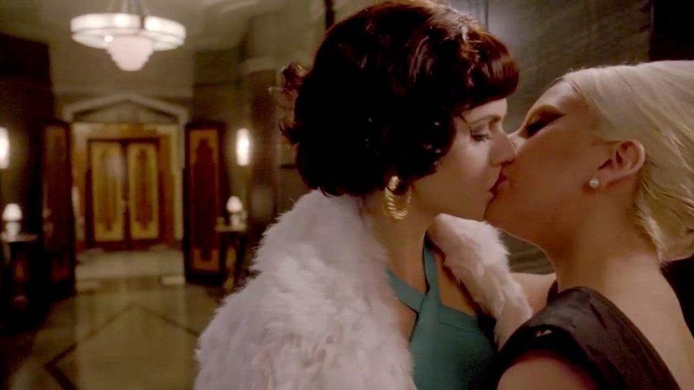 Alexandra Daddario lesbian kiss