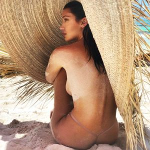 New Bella Hadid Private Covered Topless & Bikini Photos