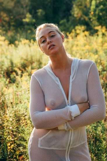 Iskra Lawrence Nude & Topless Pics And LEAKED Porn 25
