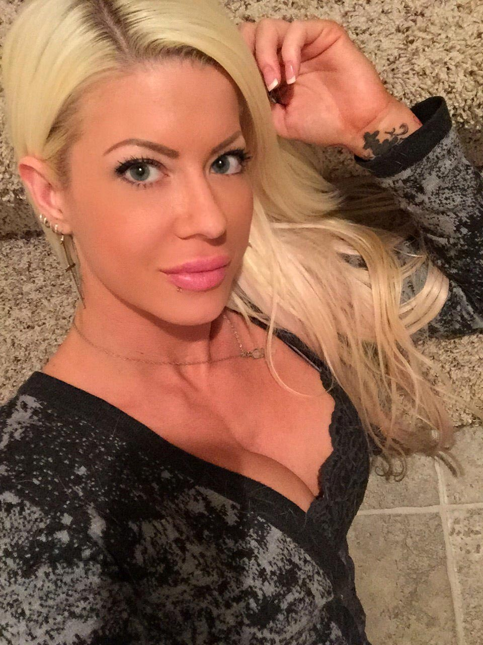 Angelina Love Porn Video and Shocking Leaked Nudes 16