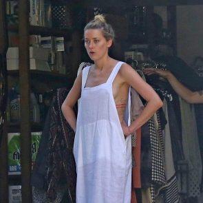 Amber Heard side boobs
