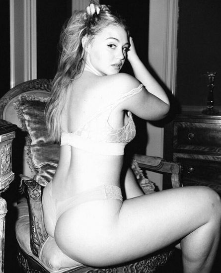 Iskra Lawrence Nude & Topless Pics And LEAKED Porn 20