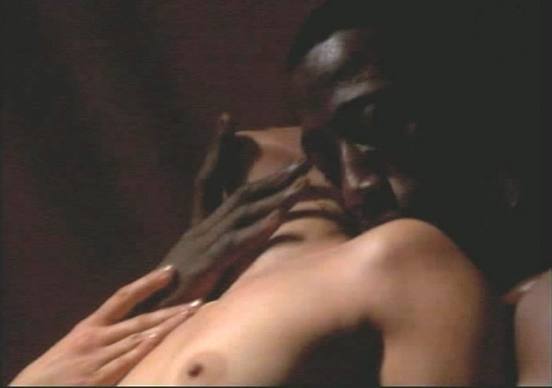 Jennifer Lopez Topless Sex Scene In Money Train Movie