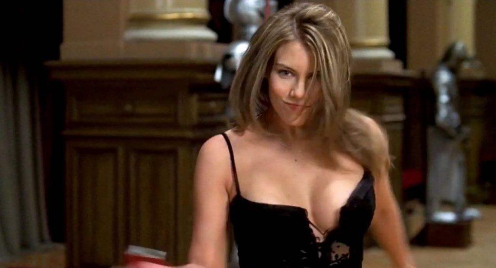 Lauren Cohan boobs in deep cleavage