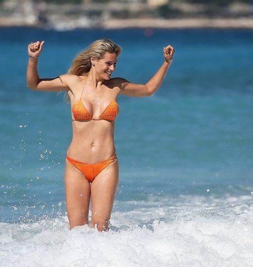 Michelle Hunziker NUDE & Topless Pics And Sex Scene 23
