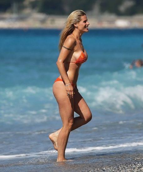 Michelle Hunziker NUDE & Topless Pics And Sex Scene 22