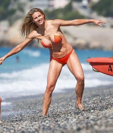 Michelle Hunziker NUDE & Topless Pics And Sex Scene 21