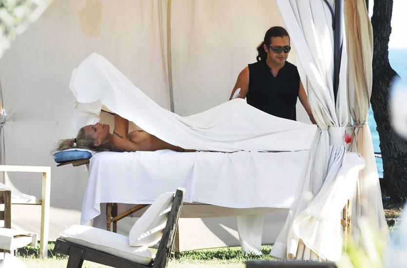 Michelle Hunziker nude