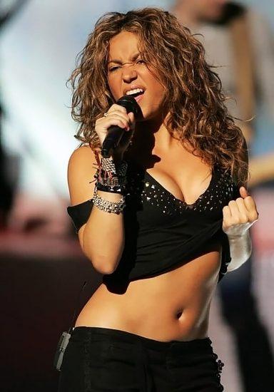 Shakira Nude Pics & LEAKED Blowjob Porn Video 33