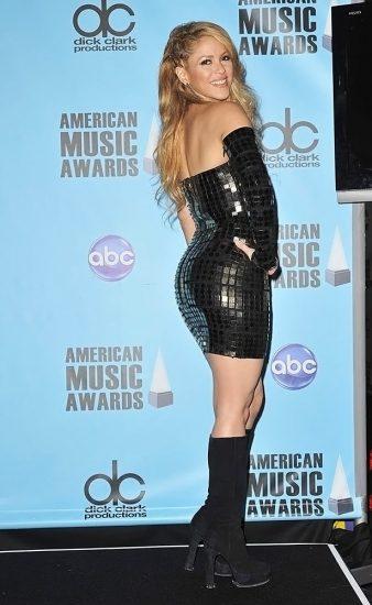 Shakira Nude Pics & LEAKED Blowjob Porn Video 46