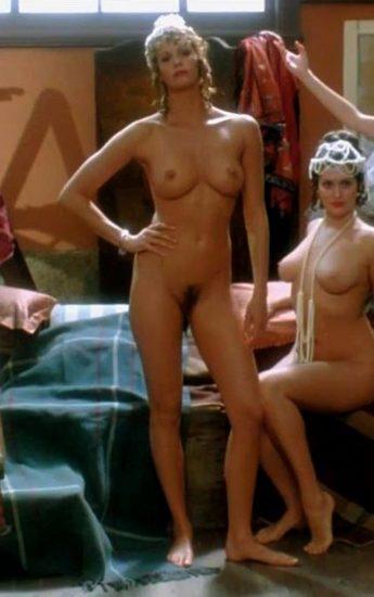 Elle Macpherson Nude and Lesbian Sex Scenes 9
