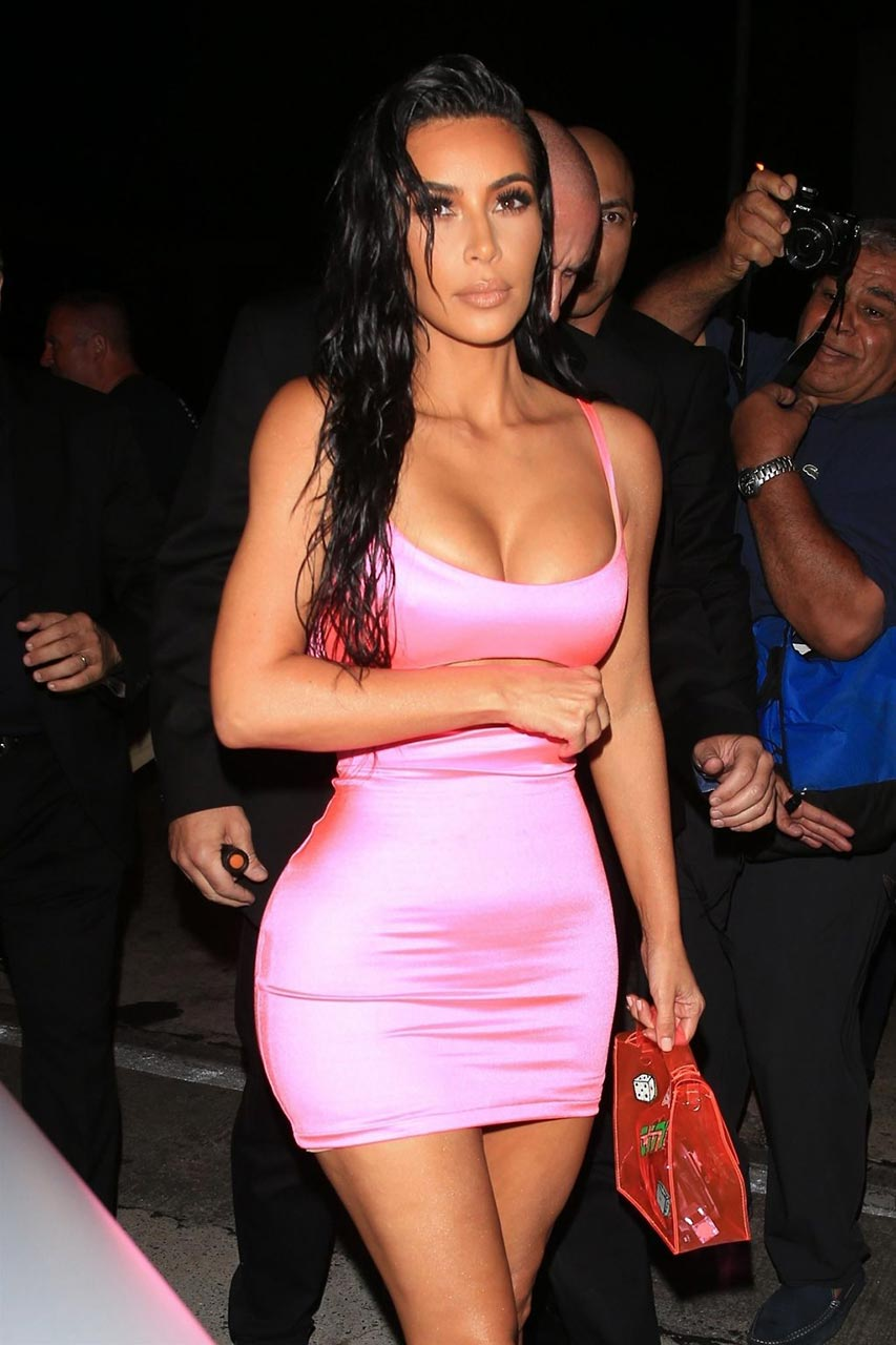 Kim kardashian big ass cum tribute - 1 part 3