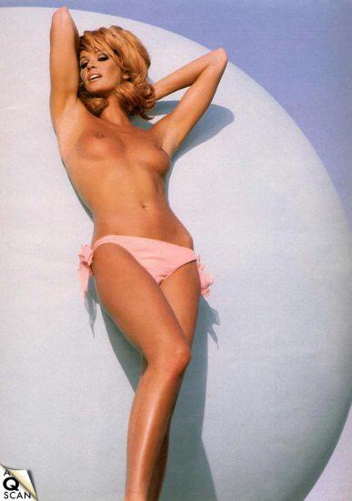 Elle Macpherson Nude and Lesbian Sex Scenes 14