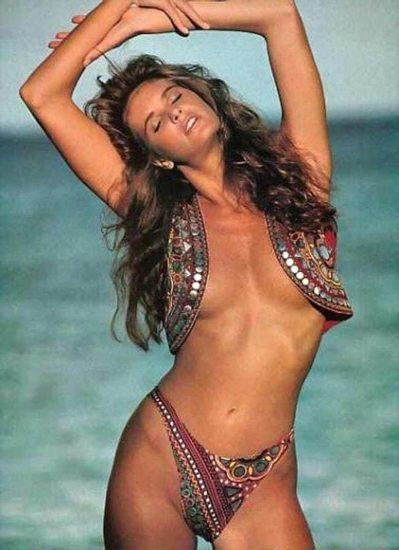 Elle Macpherson Nude and Lesbian Sex Scenes 17