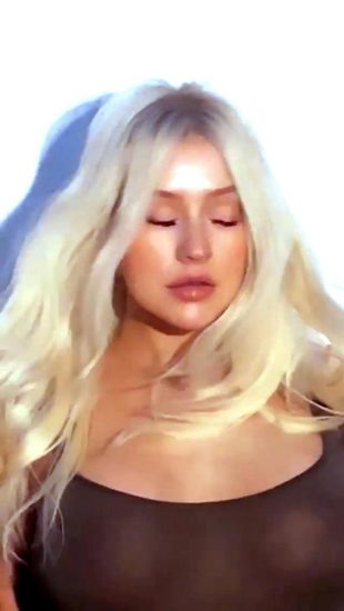 Christina Aguilera Nude LEAKED Pics & Topless Videos 50