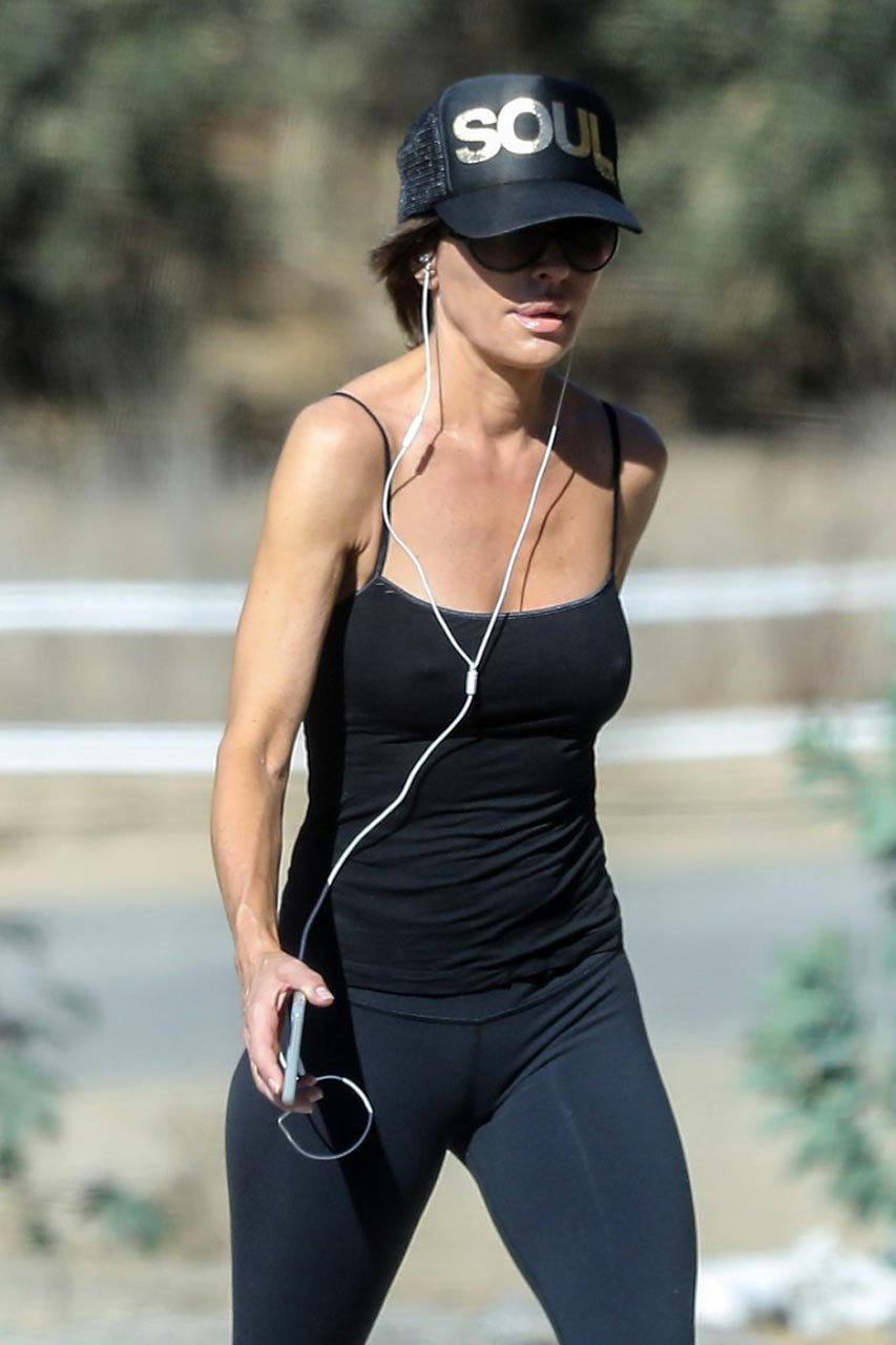 lisa rinna nipples visible through her top scandal planet