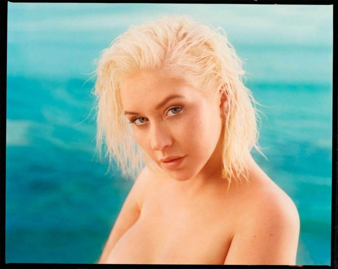 Christina Aguilera Nude LEAKED Pics & Topless Videos 38