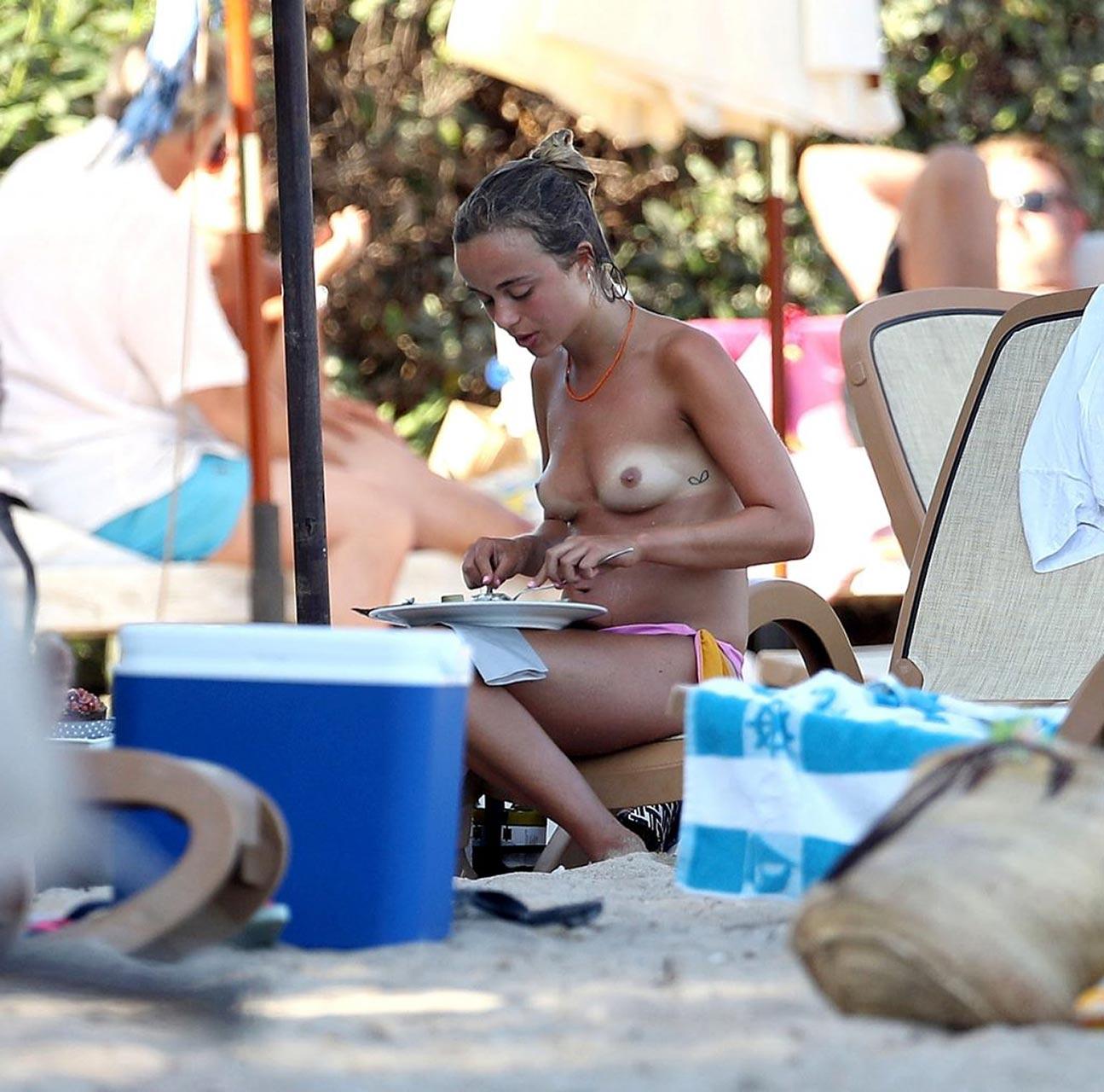 foto Amelia windsor topless