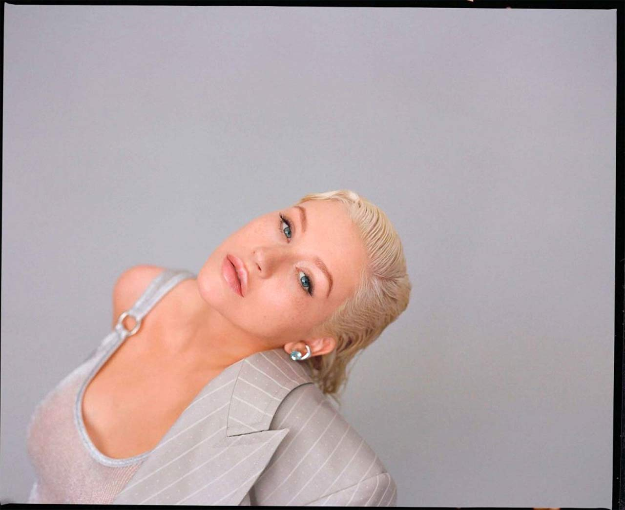 Christina Aguilera Topless Photo Shooting - Scandal Planet