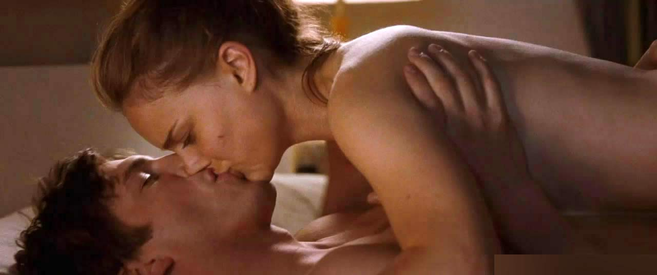 Natalie portman no strings attached sex scene