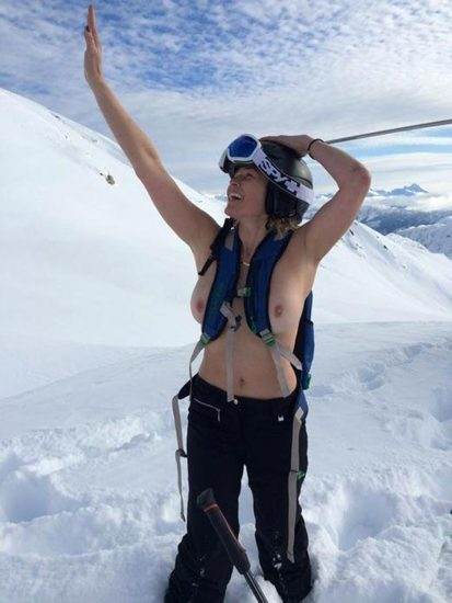 Chelsea Handler Nude LEAKED Pics & Sex Tape 32