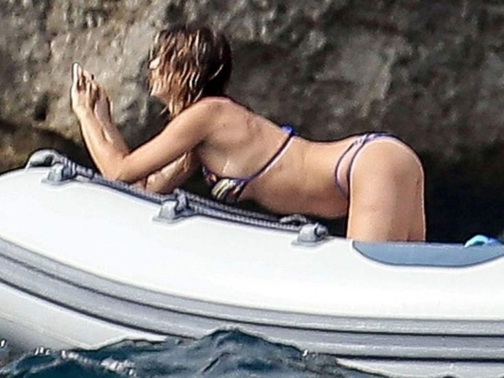 Elisabetta Canalis Nude & Topless ULTIMATE Collection 11