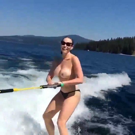 Chelsea Handler Nude LEAKED Pics & Sex Tape 24