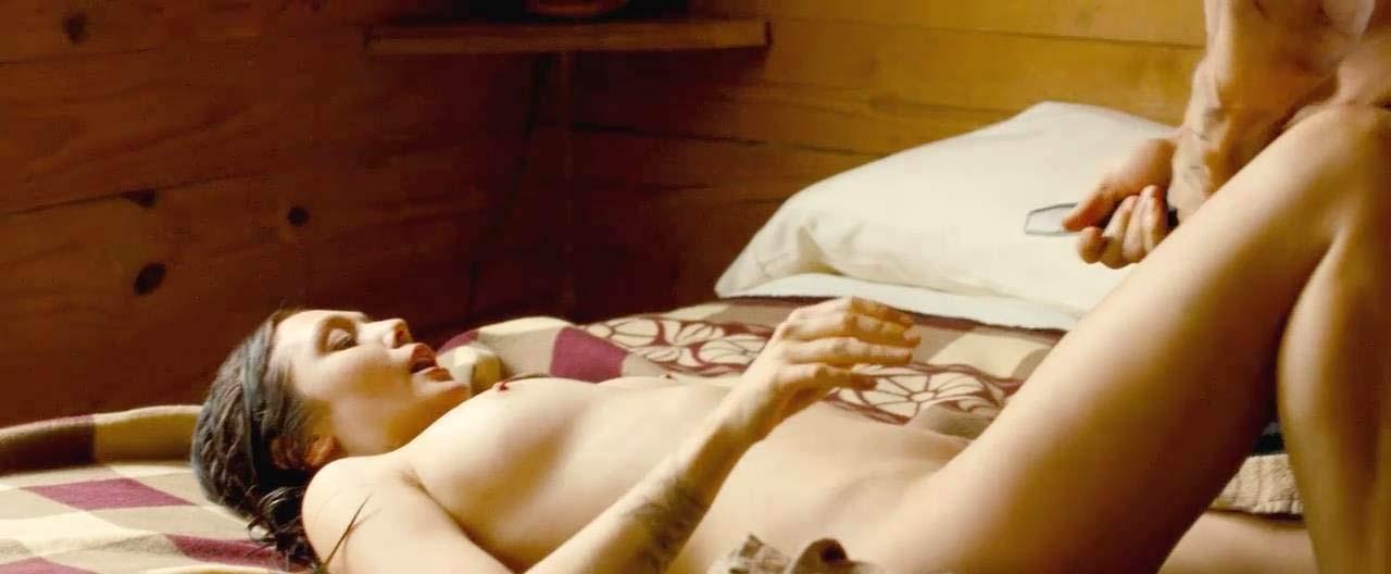 Элизабет Олсен Nude