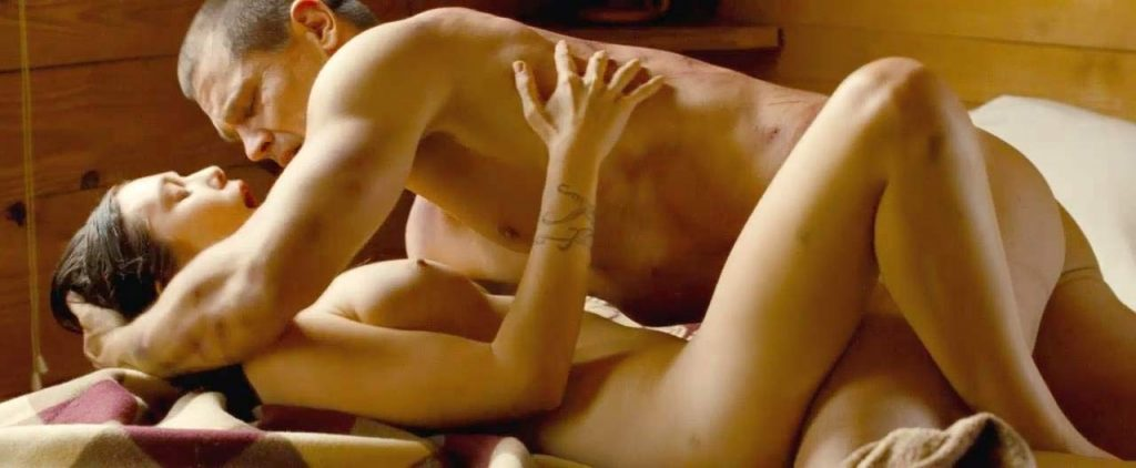Elizabeth Olsennaked boobs sex scene