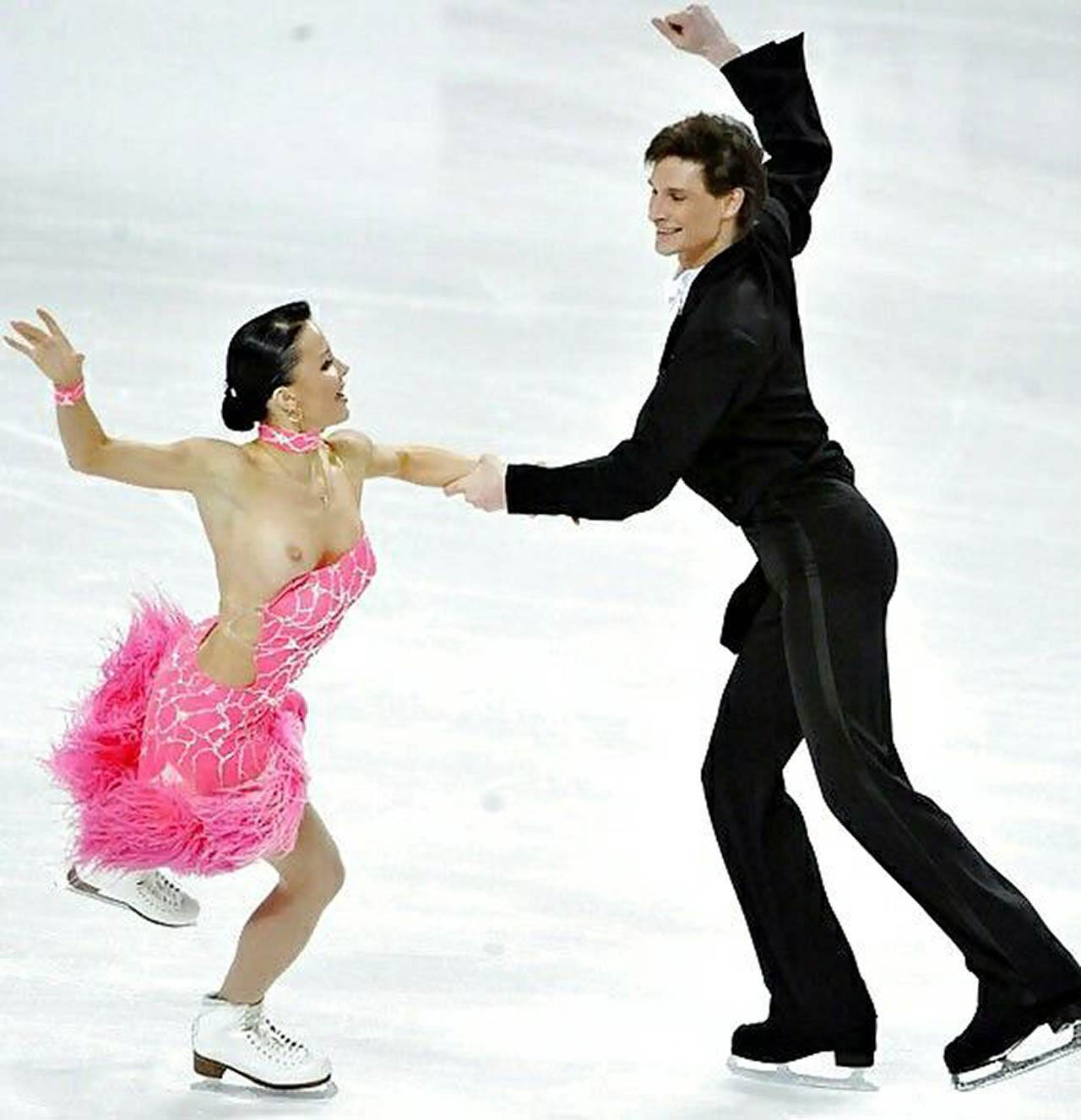 Figure skating nip slip