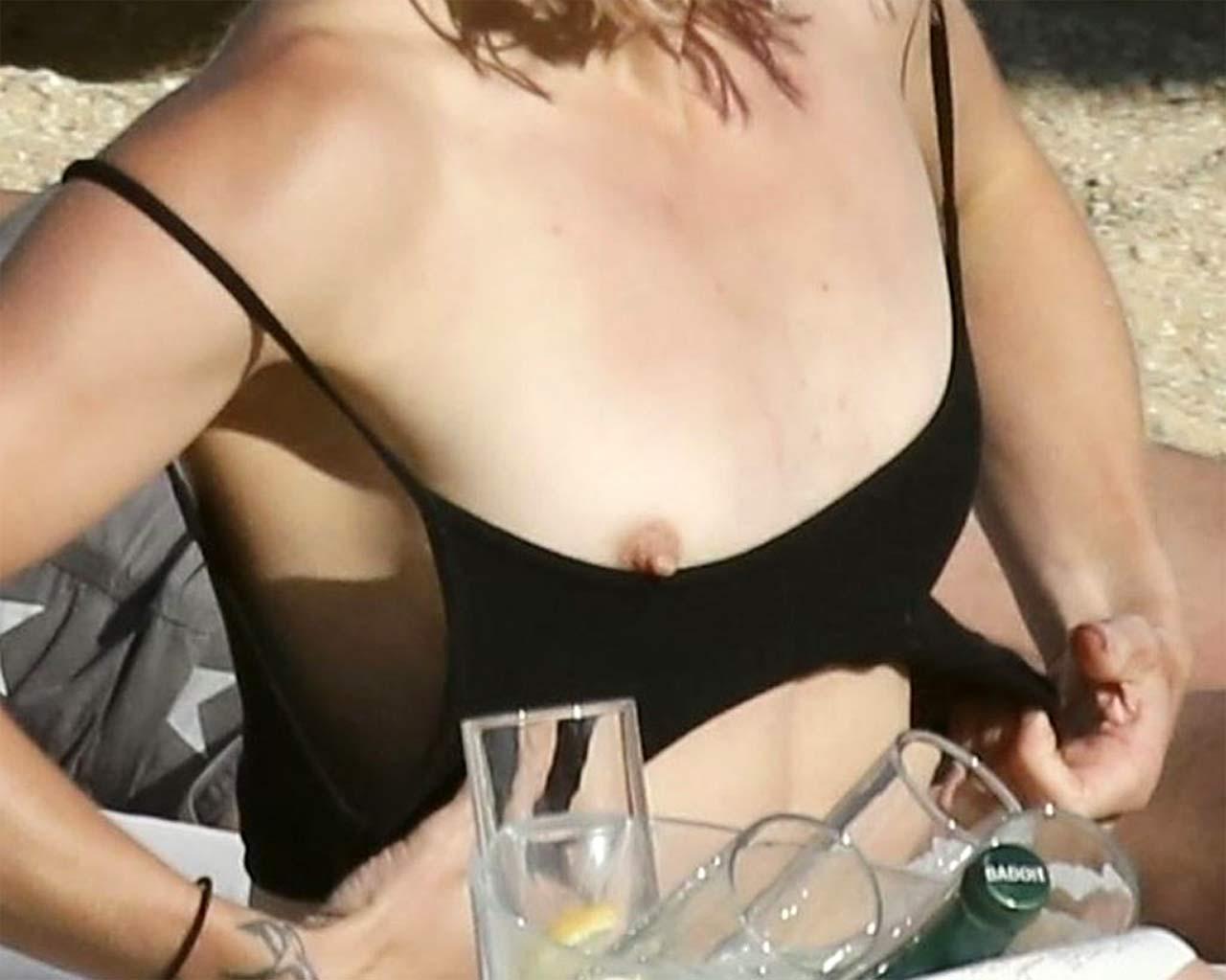 Stephanie Pratt Nude Tits at Candid Photos ! - Scandal Planet