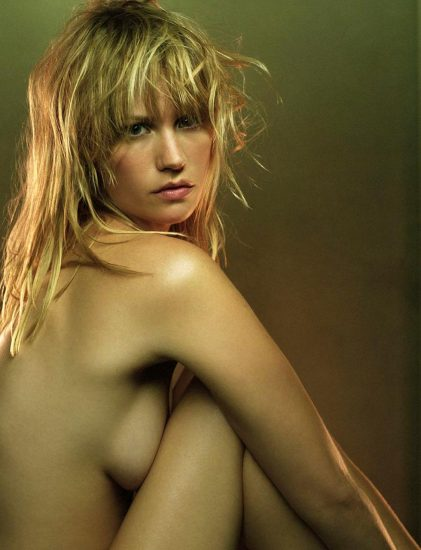 January Jones Nude Pics & LEAKED Porn + Topless Scenes 13