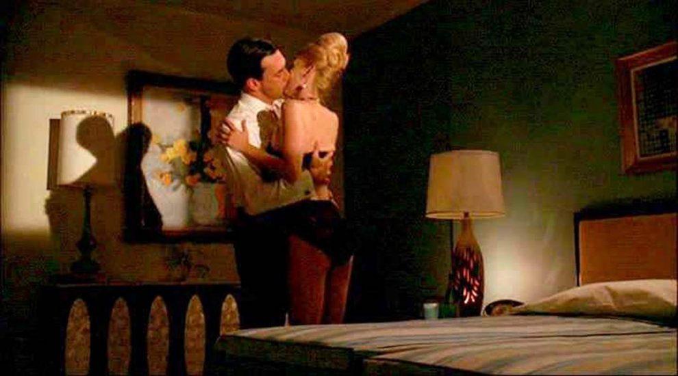 January Jones Nude Pics & LEAKED Porn + Topless Scenes 35