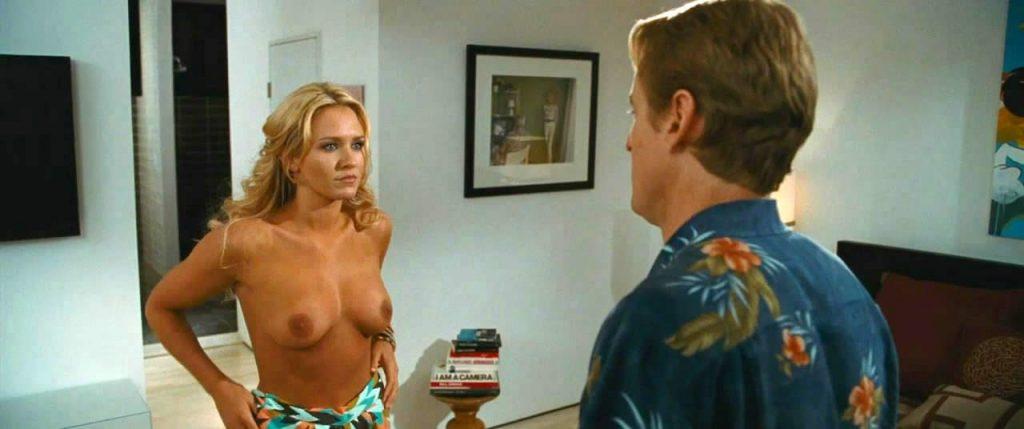 Hall pass nude scene